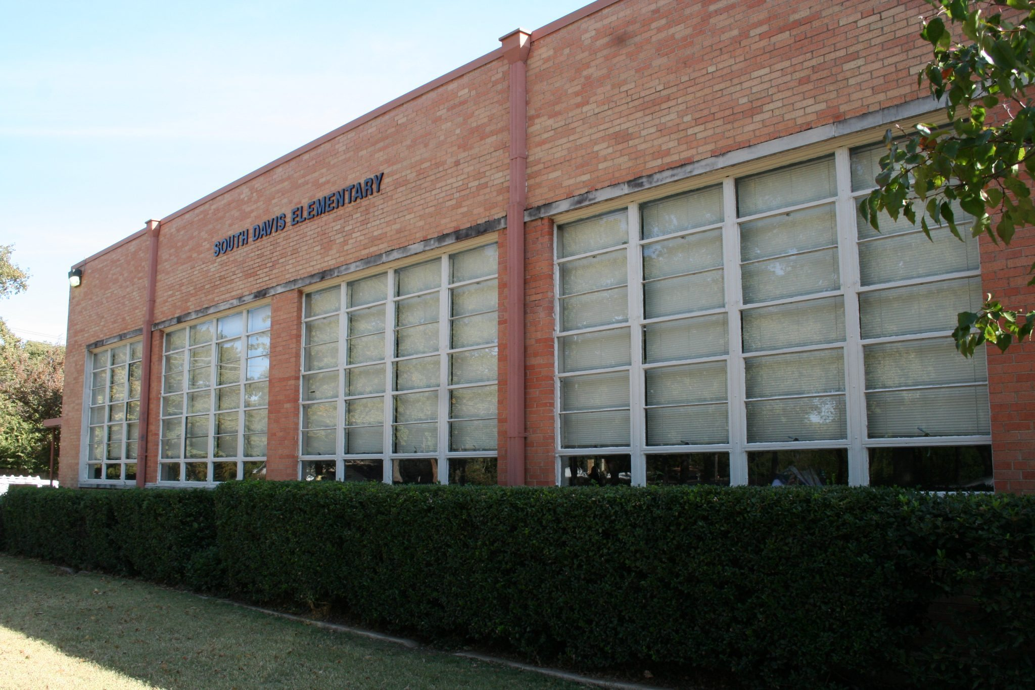 South Davis Elementary Building